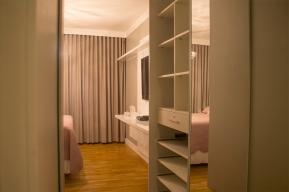 Suite-Closet-BiancaSefidvashArquitetura-150dpi-1170px-Fotografia-DeniCorsino-2